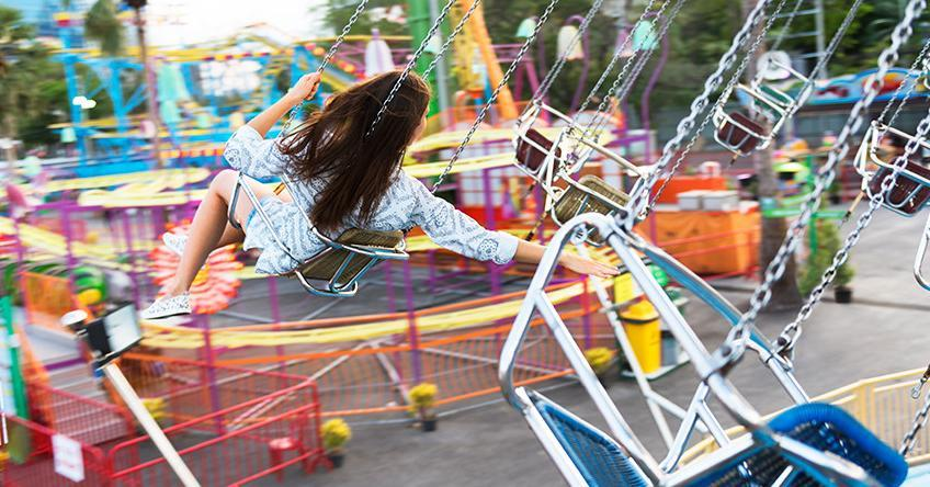 5 Life-Hacks on how to Have Stress-Free Fun at Theme Parks - Adriana's Insurance