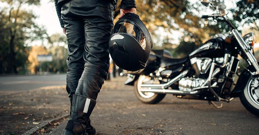 3 Important things to look for when choosing a Motorcycle Helmet - Adriana's Insurance