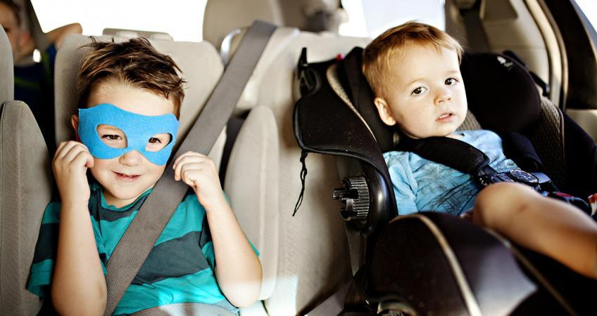 3 Practical Precautions to Keep Kids Calm in the Car