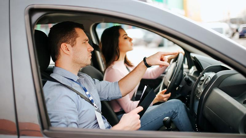 5 Bad Habits that Turn You into a Terrible Driver